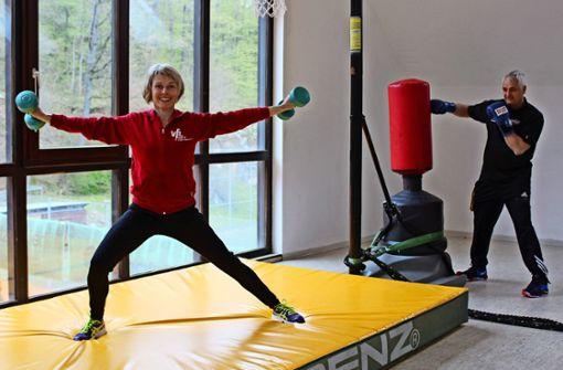 Sport macht die Fitnesstrainer glücklich