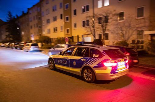 Polizei fahndet weiter nach Angreifer – verletzte Frauen befragt