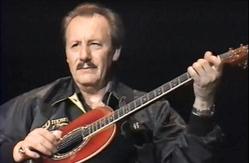 Nokie Edwards (1935-2018) hat mit der Band The Ventures und mit Soloprojekten viele Laien fürs Gitarrespielen begeistert – und Profis neidisch gemacht. Foto: Youtube