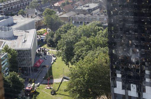 Zahl der Toten nach Hochhausbrand steigt auf 17