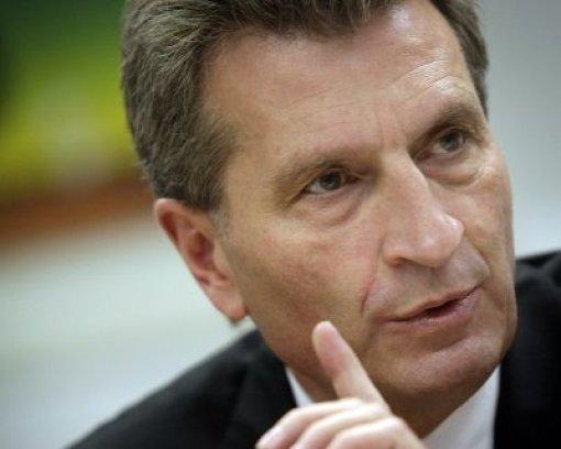 Oettinger gibt überraschend nach