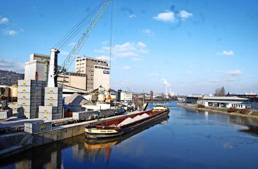 Der Stuttgarter Neckarhafen ist eine wichtige Logistik-Drehscheibe für die Region und zeigt dies auch beim Hafenfest. Foto: Mathias Kuhn