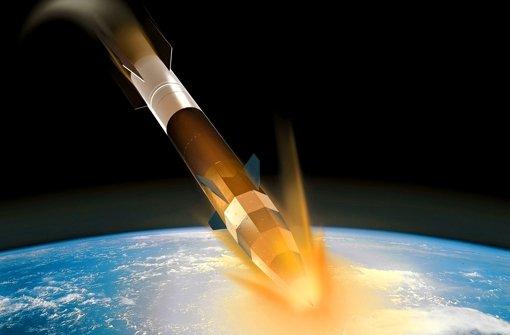 Die Spitze der Rakete kann beim Wiedereintritt in die Atmosphäre bis zu 2000 Grad Celsius heiß werden – ein Härtetest für die Hitzekacheln. Klicken Sie sich durch die Bilder aus der Raketen-Werkstatt. Foto: DLR