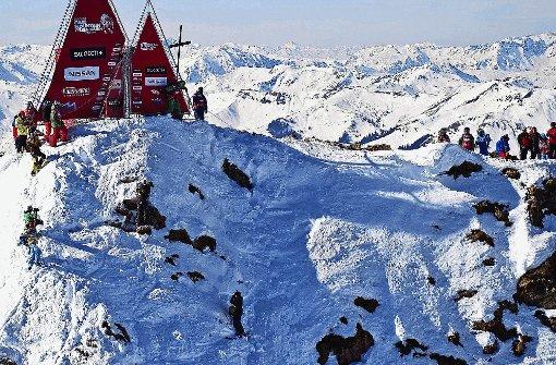 Die Freeride World Tour startet vom Gipfel des Wildseeloder. Die Abfahrt gilt als absurd steil und ist von vielen Felsen durchsetzt.  Foto: SoAk