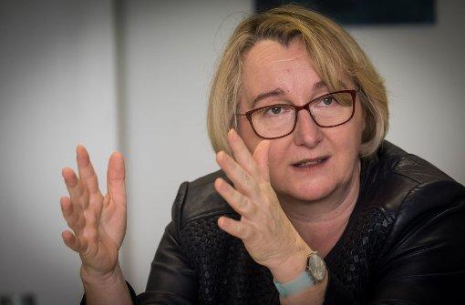 Wissenschaftsministerin Bauer fürchtet Qualitätsverlust an Unis
