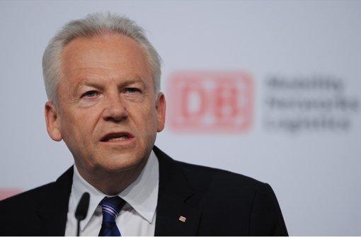 Bahnchef Rüdiger Grube hat sich bei einem Termin in Aalen erstmals  zu einer möglichen Klage gegen das Land geäußert. Foto: dpa