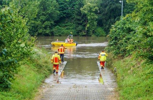Passant entdeckt Leiche im Neckar
