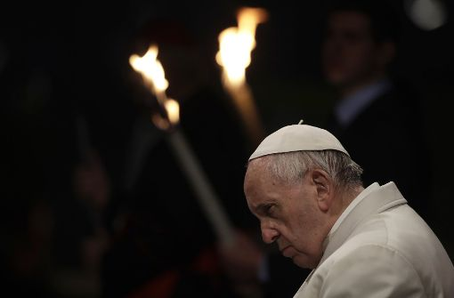 Papst Franziskus leitet Kreuzwegsprozession