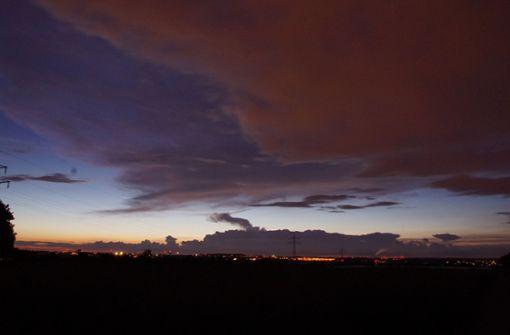 Bunte Wolkengebilde über Stuttgart und Region