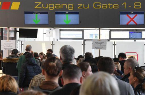 560 Reisende nach Flugausfällen gestrandet