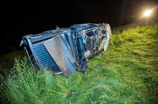 21-Jähriger wird aus Auto geschleudert