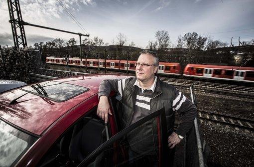 Boris Schneider steigt von der S-Bahn wieder auf sein Auto um. Foto: Piechowski