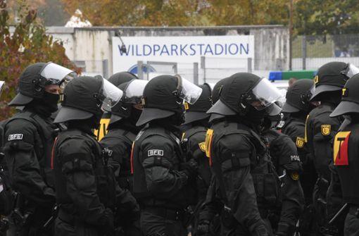 Polizei ist bei Fußballspielen länger im Einsatz