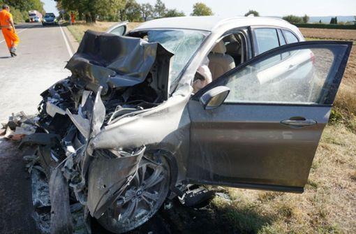 Autofahrer stirbt bei Zusammenprall mit Lkw