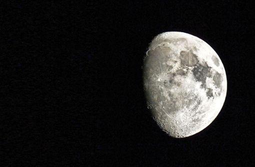 Der Mond und sein Goldener Henkel