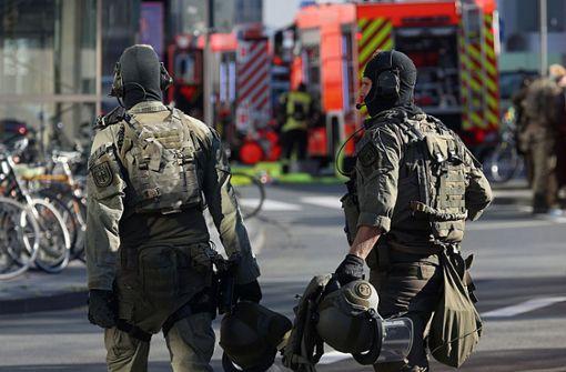 Polizei schließt terroristischen Hintergrund nicht aus
