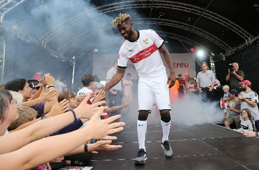 Verlässt Jérôme Onguéné den VfB Stuttgart?