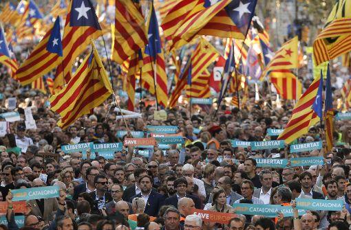 Tausende protestieren gegen Zentralregierung