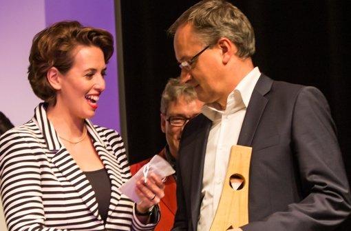 Tülây Schmid und Kultusminister Andreas Stoch Foto: Lichtgut/Achim Zweygarth