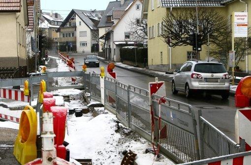 Während die Bauarbeiten ruhten, wurde die Ampelregelung an der Grötzinger Straße vorübergehend aufgehoben. Foto: Jens Noll