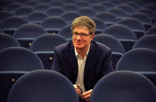 Roger Willemsen wurde 60 Jahre alt. Erst im vergangenen August erfuhr der Autor und Journalist von seinem Krebsleiden. Foto: dpa