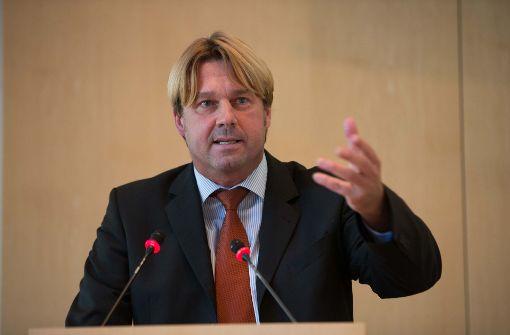 Bernd Klingler wirft Verwaltung Stasimethoden vor