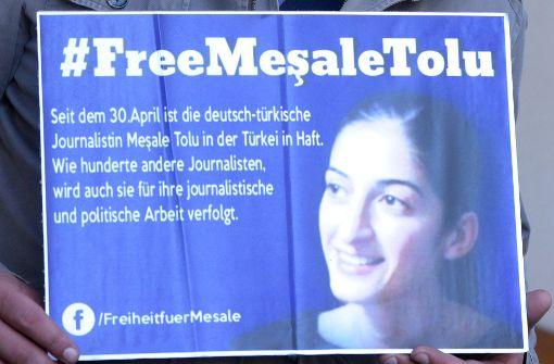 Bundesregierung darf inhaftierte Journalistin Mesale Tolu in Türkei besuchen