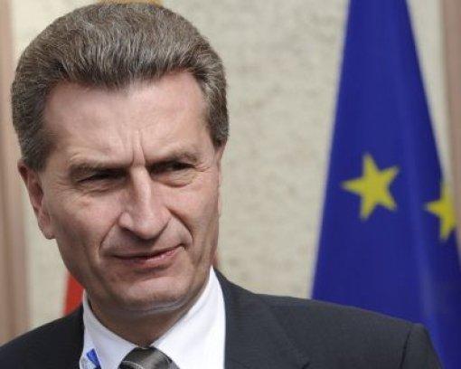 Oettinger holt sich EU-Experten an die Seite
