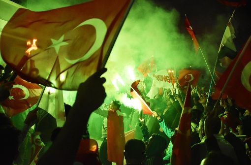 Erdogan gewinnt knapp - Opposition will Ergebnis anfechten