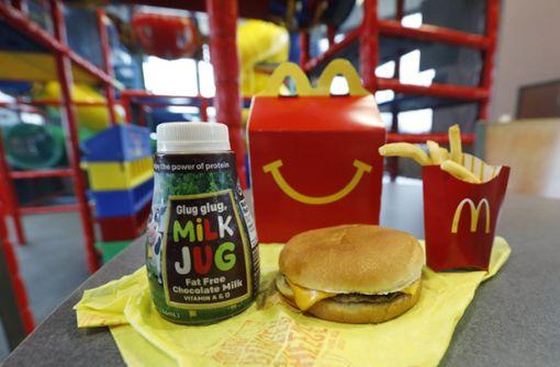 Zu viele Kalorien: McDonald\'s streicht Cheeseburger aus dem Happy ...
