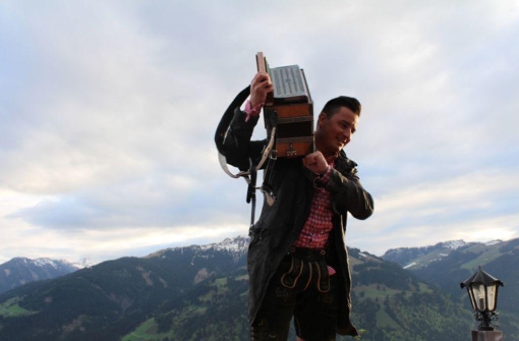 In Den Bergen Fühlt Er Sich Zu Hause Mountain Man Andreas