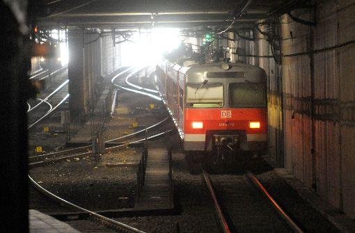 Denken die Macher der Studie etwa, eine liegengebliebene S-Bahn im Tunnel gibt den Fahrgästen eine zusätzliche Gelegenheit für ein entspanntes Nickerchen? Foto: dpa