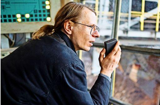 """Baggerfahrer, Liedermacher, Stasi-Spitzel: """"Gundi"""" Gundermann (Alexander Scheer) Foto: Pandora"""