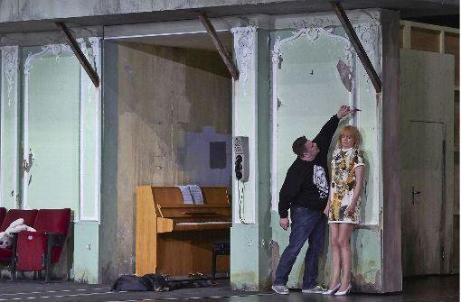 Der Lack ist ab, in der Liebe und überhaupt: German (Erin Caves) und Lisa (Rebecca von Lipinski Foto: A. T. Schaefer