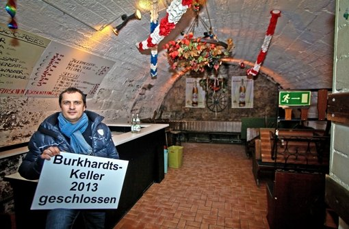 Rund 20 Jahre war der Burkhardts-Keller der Pferdemarkt-Keller, in dem auch auf den Bänken getanzt wurde: Jetzt hat Hobby-Wirt Klaus Fuchs genug vom bürokratischen Aufwand. Foto: Peter Petsch