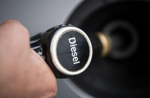 Nur Daimler lädt Diesel-Nachrüstfirmen ein