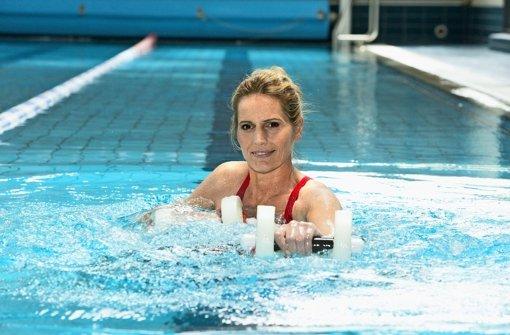 Fit Mit Wassergymnastik: Schonend Trainieren U2013 Boxen Im Wasser   Web U0026  Wissen   Stuttgarter Nachrichten