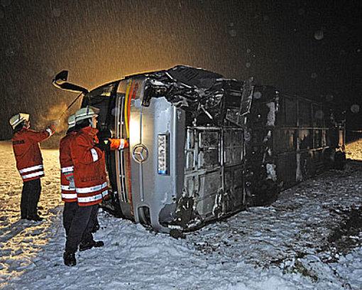 Acht Verletzte bei Bunsunfall