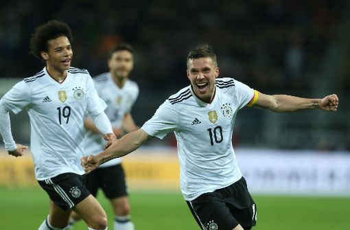 Podolski trifft zum Abschied gegen England