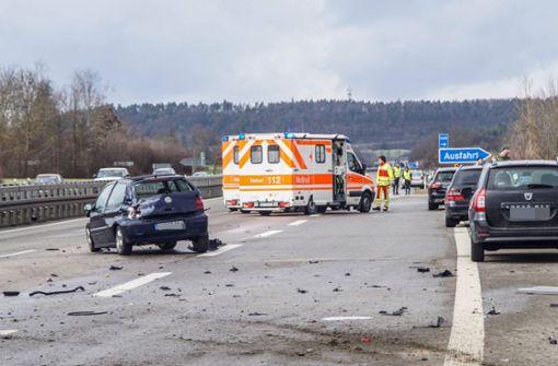 Schwerer Unfall – Motorblock fliegt 30 Meter weit