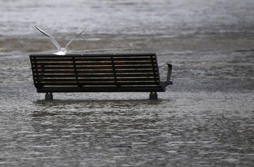 Wasserstand der Flüsse sinkt – es wird trocken und mild
