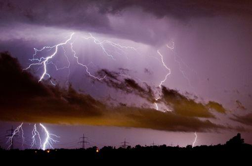 Auf die heißen Tage können starke Gewitter folgen. Foto: dpa