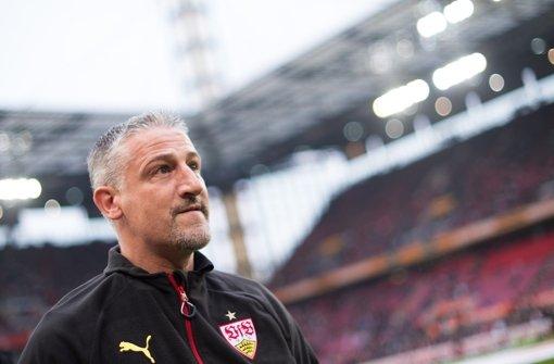 VfB-Coach Jürgen Kramny Foto: dpa