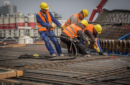 Die Arbeiten am neuen Tiefbahnhof sollen Ende 2025 abgeschlossen sein. Danach könnten die alten Gleisflächen bebaut werden. Foto: Lichtgut/Julian Rettig