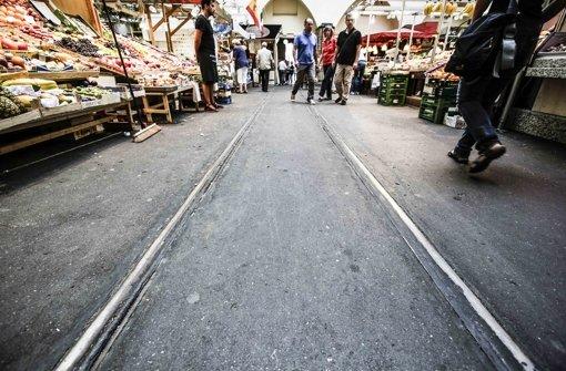 Etwa 25 Meter lang ist der Schienenstrang quer durch die Markthalle Foto: Leif Piechowski