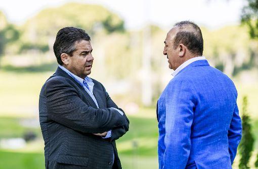 Sigmar Gabriel trifft türkischen Außenminister Cavusoglu