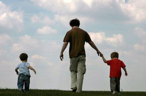 Väter treten im Job häufig kürzer