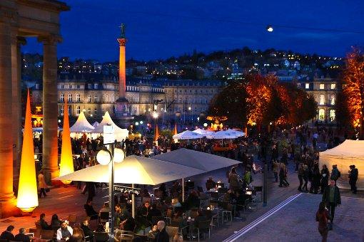 Stuttgarter City erstrahlt in Orange