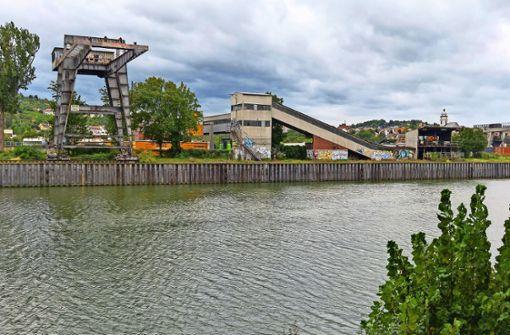 Ohne die Bundesstraße viel Platz am Neckar