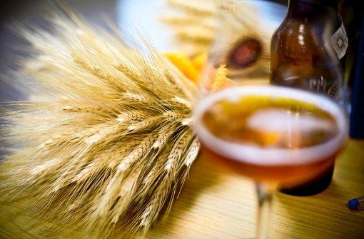 Craft-Biere, was übersetzt so viel wie handwerklich hergestellte Biere bedeutet, sind derzeit –  hier darf das Wortspiel sein –  in aller Munde. Foto: Max Kovalenko